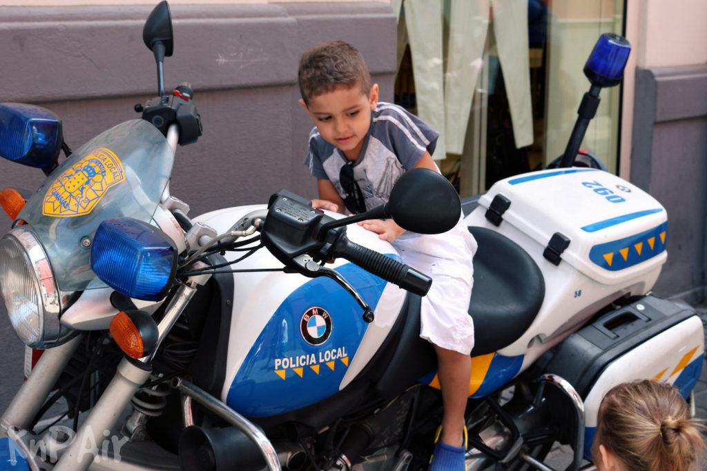 Police-in-Santa-Cruz-de-Tenerife