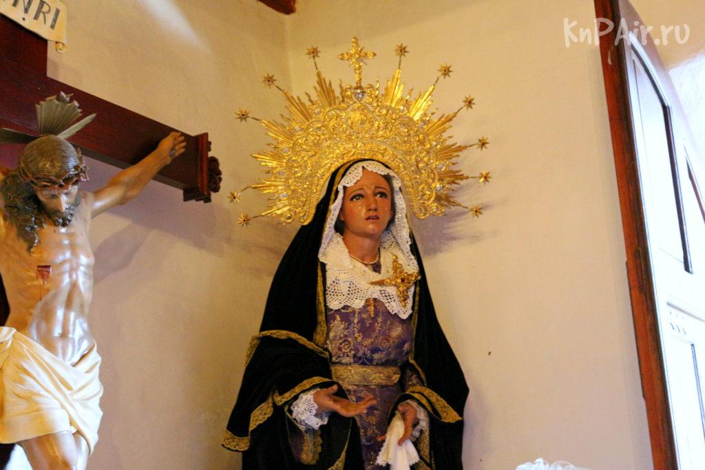 Дева Мария в церкви в деревне Маска