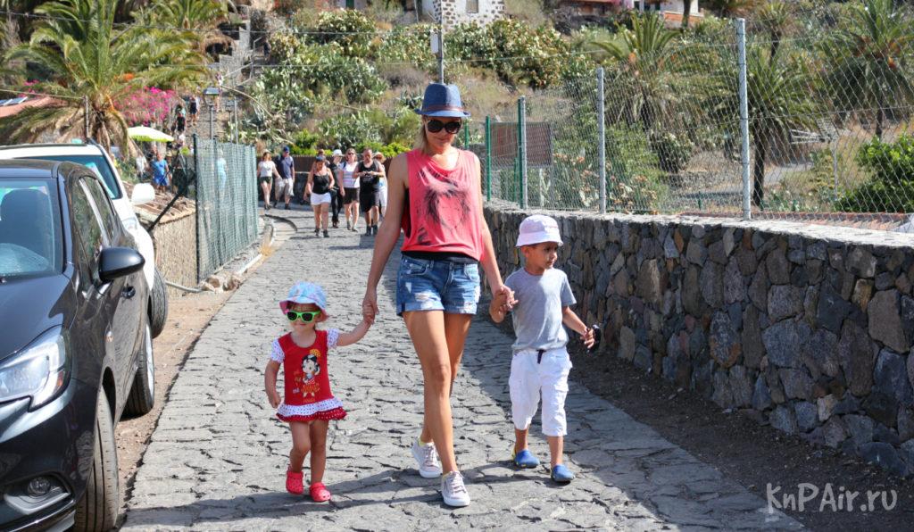 толпа туристов в Маске Тенерифе