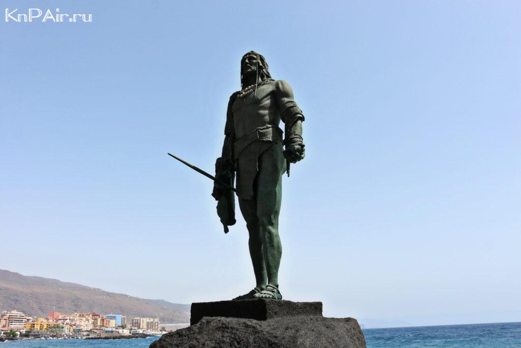 statuya hranitelya ostrova tenerife