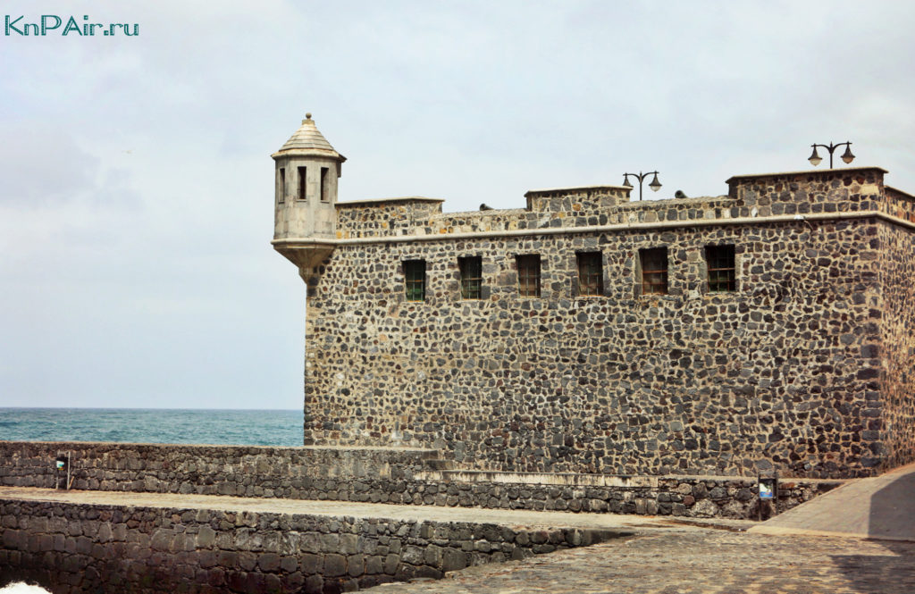 Krepost-v-Puerto-de-la-Cruz