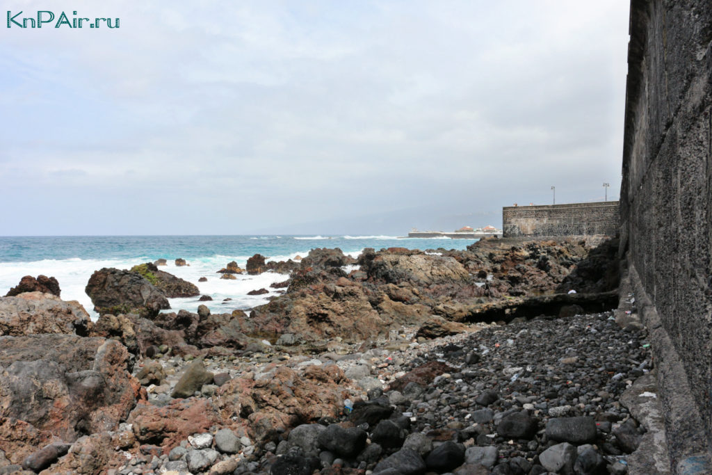 Stena forta Santa Barbara v Puerto de la Cruz
