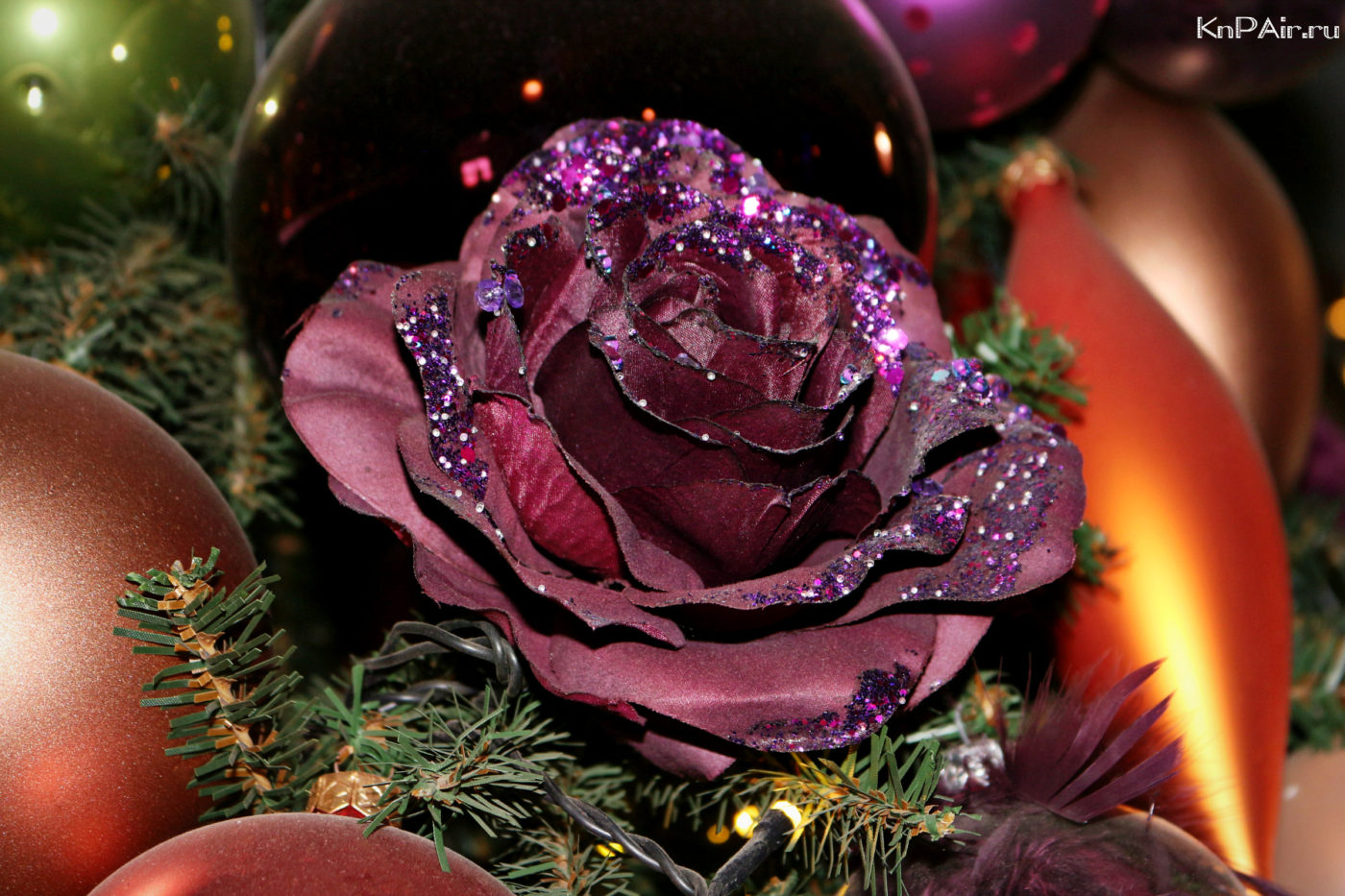 novogodnee-ukrashenie