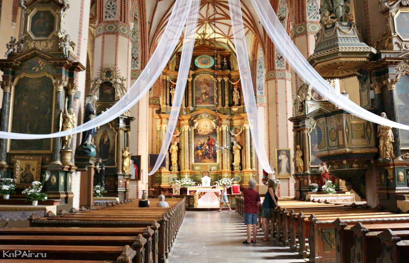 katolicheskij-kostel-v-reshele