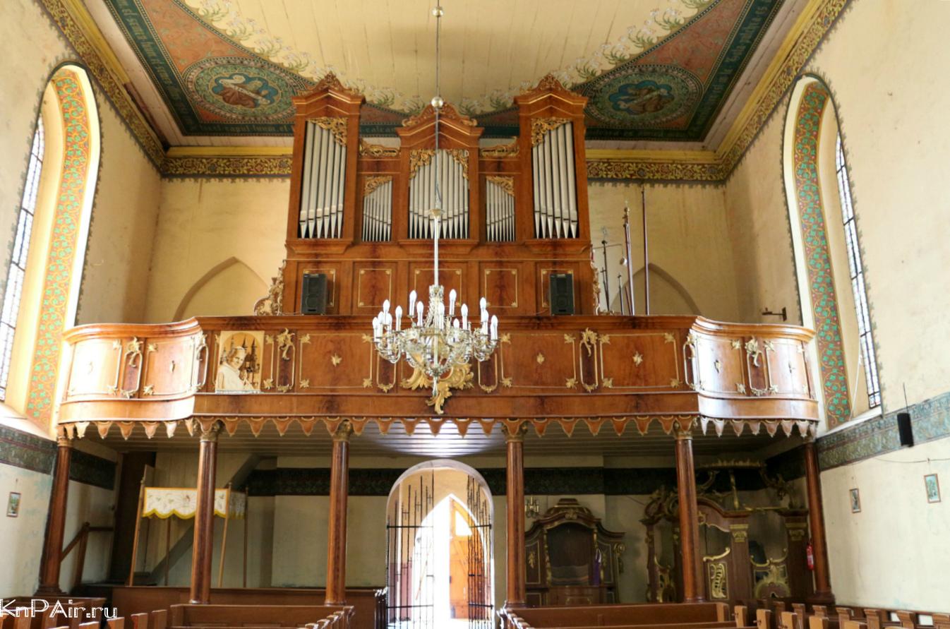Organ-v-kostele-Satopy-Polsha