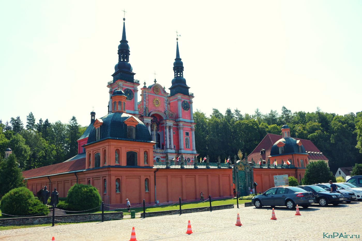 samyi-krasivyi-hram-v-stile-baroko