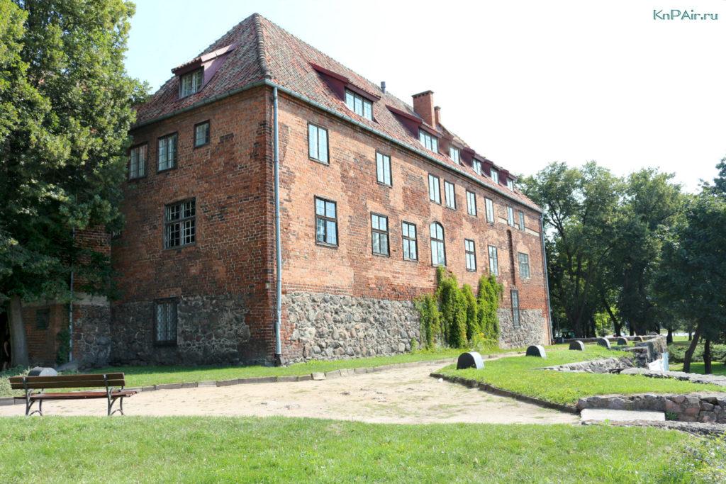 varminsko-mazurskoe-voevodstvo-castle-kentshin-poland