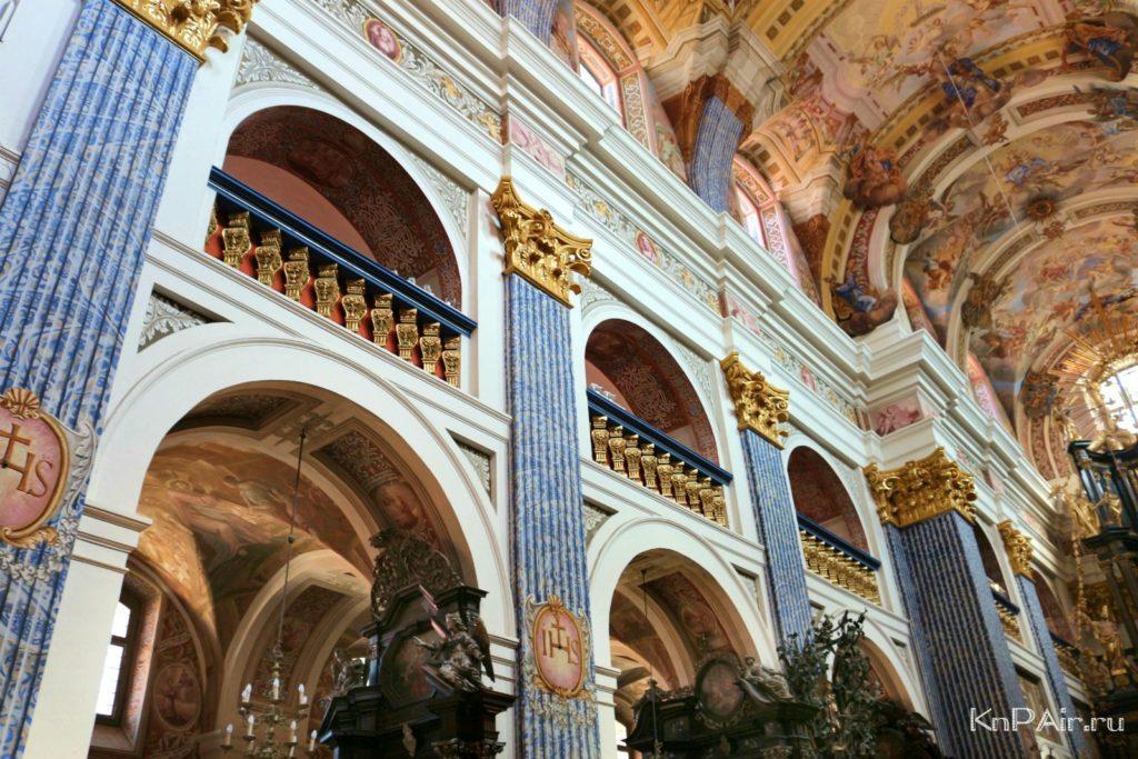 inside-the-basilica
