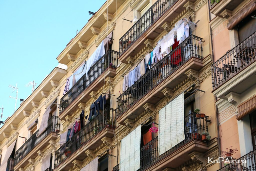 kak-razveshivayut-belie-barcelona