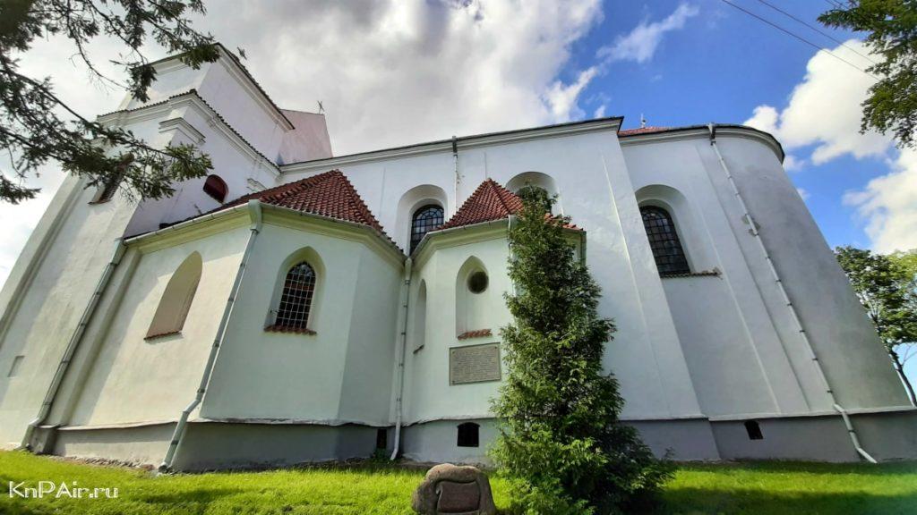 farnyi-kostel-v-novogrudke